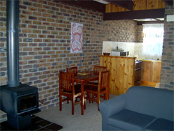 Warrawee Holiday Units - Newcastle Accommodation