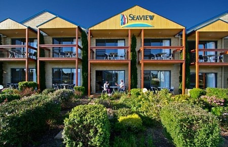 Seaview Motel  Apartments - Newcastle Accommodation