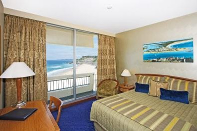 Quality Hotel Noahs on the Beach - Newcastle Accommodation
