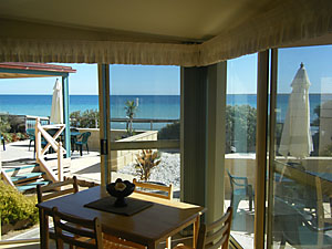The Macs Beachfront Villas - Newcastle Accommodation
