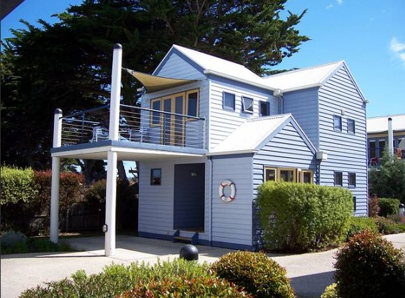 Rayville Boat Houses - Newcastle Accommodation