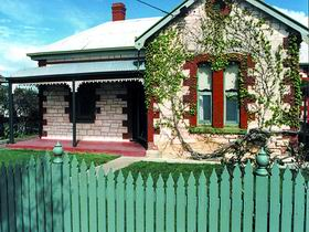 Naracoorte Cottages - Smith Street Villa - Newcastle Accommodation