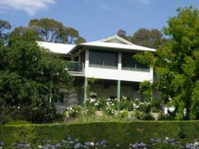 Riverscape Holiday Home - Newcastle Accommodation
