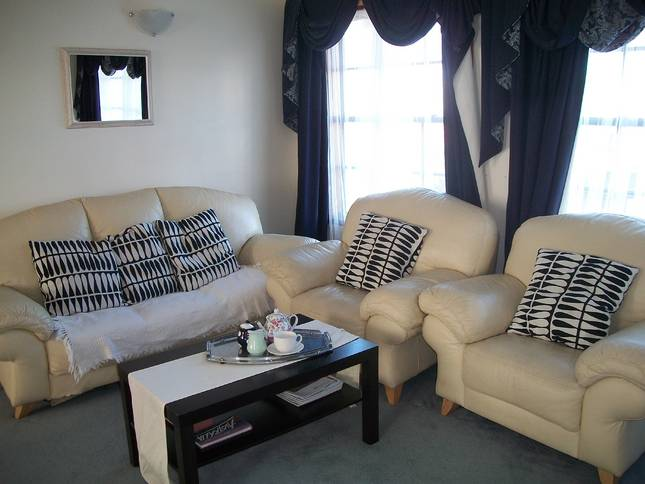 Beachside Apartment - Hove - Newcastle Accommodation