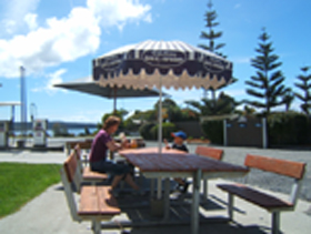 Hillcrest Caravan Park - Newcastle Accommodation