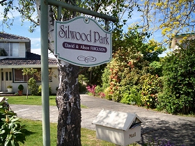 Silwood Park Holiday Unit - Newcastle Accommodation