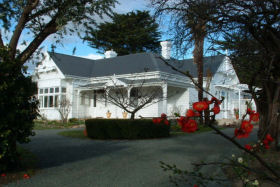 Huonville Guesthouse - Newcastle Accommodation