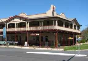 The Royal Hotel Adelong - Newcastle Accommodation