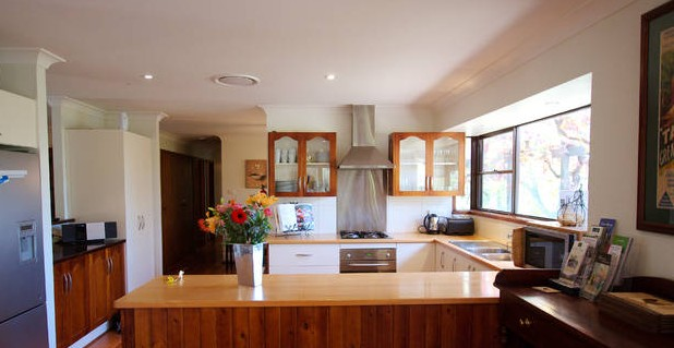 Cicada Country House - Newcastle Accommodation