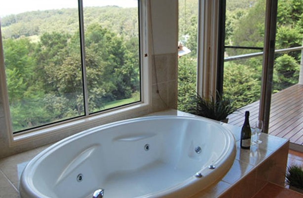 Ravensbourne Escape Kookaburra Kottage - Newcastle Accommodation