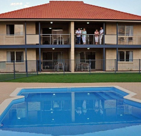Pinnacles Edge Resort - Newcastle Accommodation