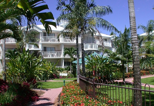 Australis Cairns Beach Resort - Newcastle Accommodation