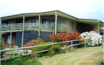 Currawong Holiday Home - Newcastle Accommodation