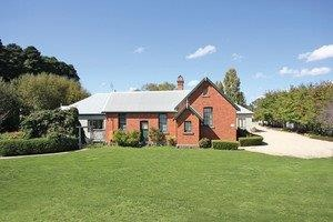 Woodend Old School House Bed and Breakfast - Newcastle Accommodation