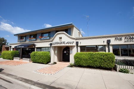 The Town House Motor Inn - Sundowner Goondiwindi - Newcastle Accommodation