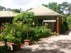 Treetops Bed And Breakfast - Newcastle Accommodation