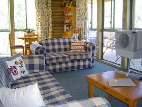 Myrtle Creek Cottages - Newcastle Accommodation