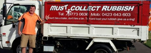 Must Collect Rubbish - Newcastle Accommodation