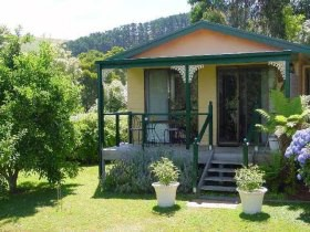 Ripplebrook Cottage - Newcastle Accommodation