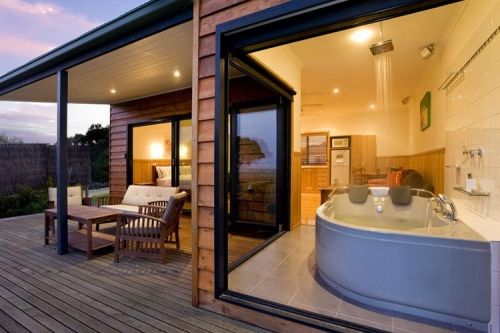 Coastal View Cabins - Newcastle Accommodation