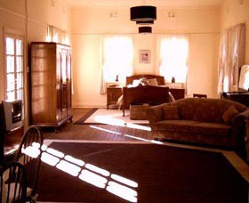 Old Parkes Convent - Newcastle Accommodation