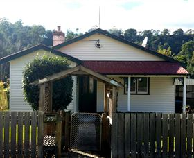 Brothers Town Cottage - Newcastle Accommodation
