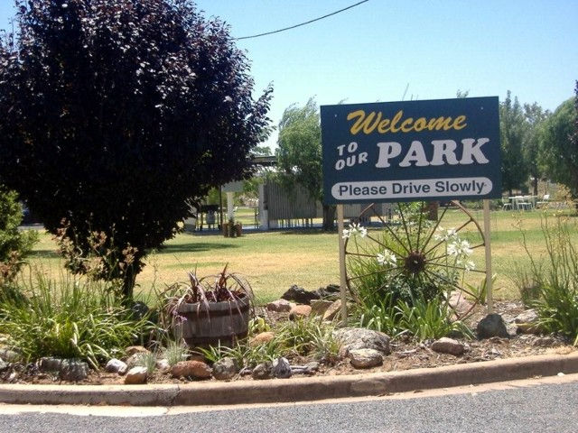 Country Club Caravan Park - Newcastle Accommodation