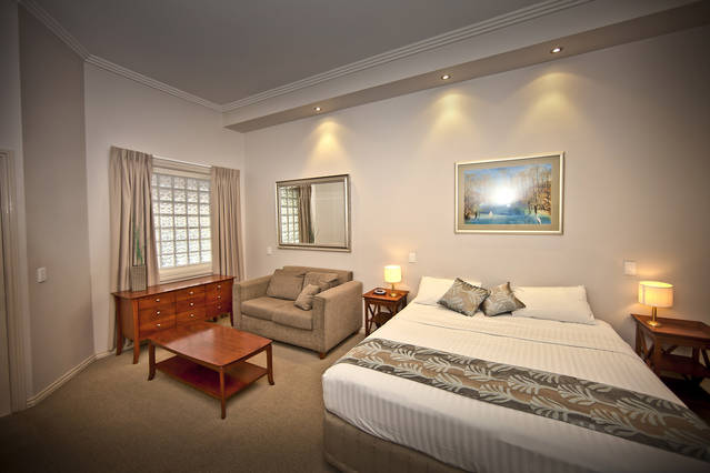 Shangri-La Gardens - Newcastle Accommodation