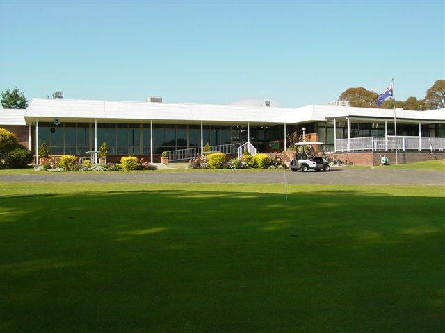 Tenterfield Golf Club and Fairways Lodge - Newcastle Accommodation