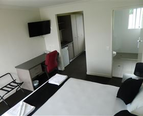 Dooleys Tavern and Motel Springsure - Newcastle Accommodation