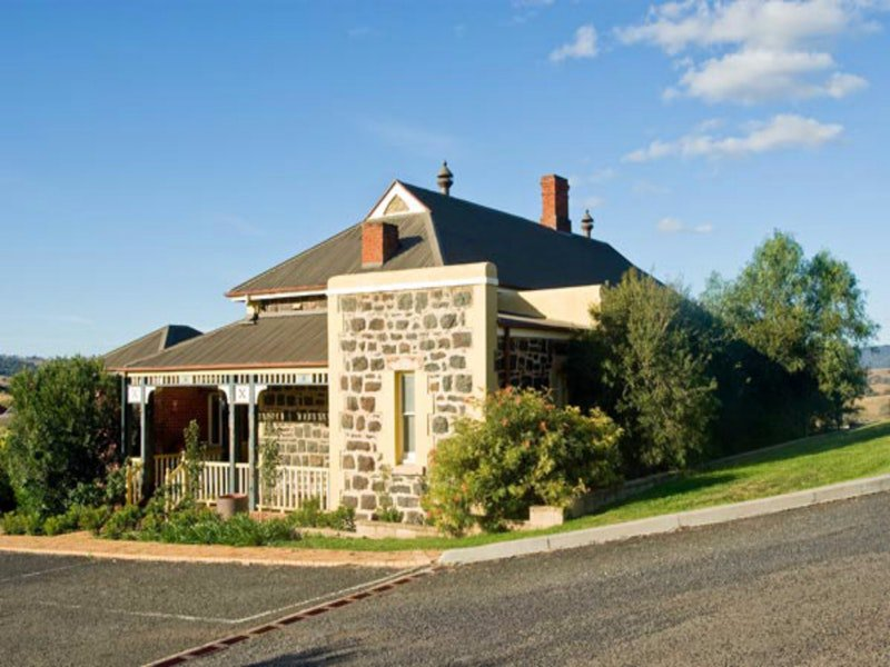 Hermitage Hill Resort - Newcastle Accommodation