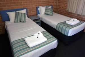 The Oaks Hotel Motel  - Newcastle Accommodation