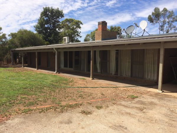 Coonara Farm Stay - Newcastle Accommodation