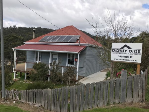 Derby Digs Cottage - Newcastle Accommodation