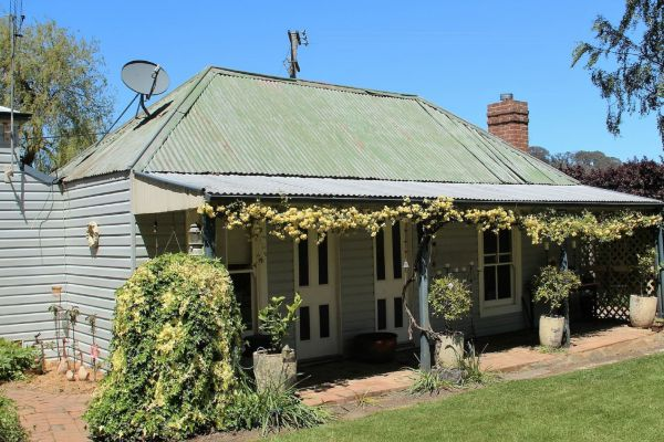 Drayshed Cottage - Newcastle Accommodation