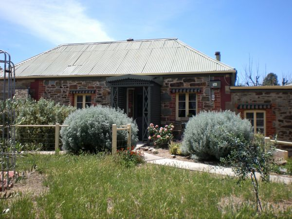 Olive Grove Retreat - Newcastle Accommodation