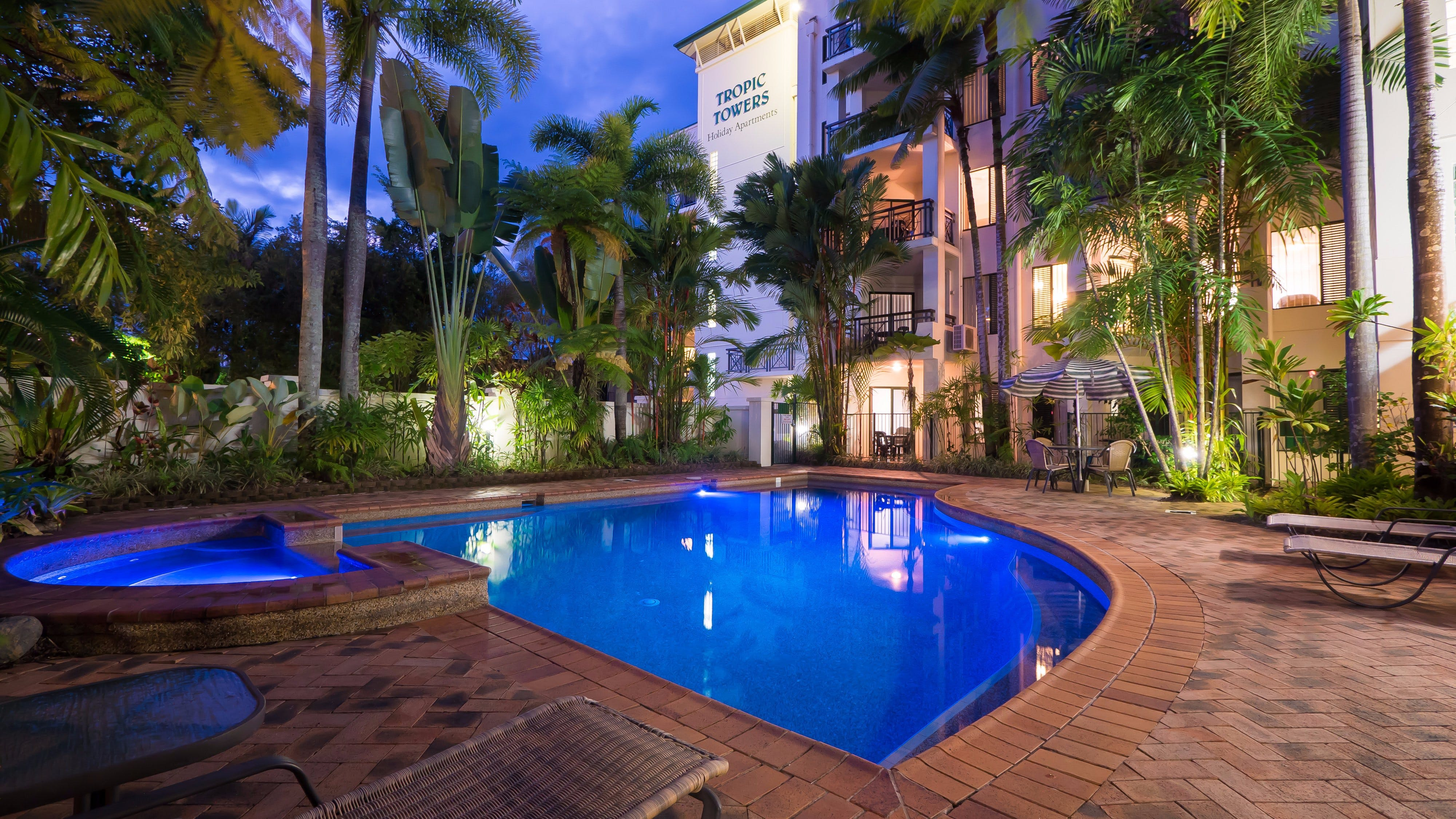 Tropic Towers Apartments - Newcastle Accommodation