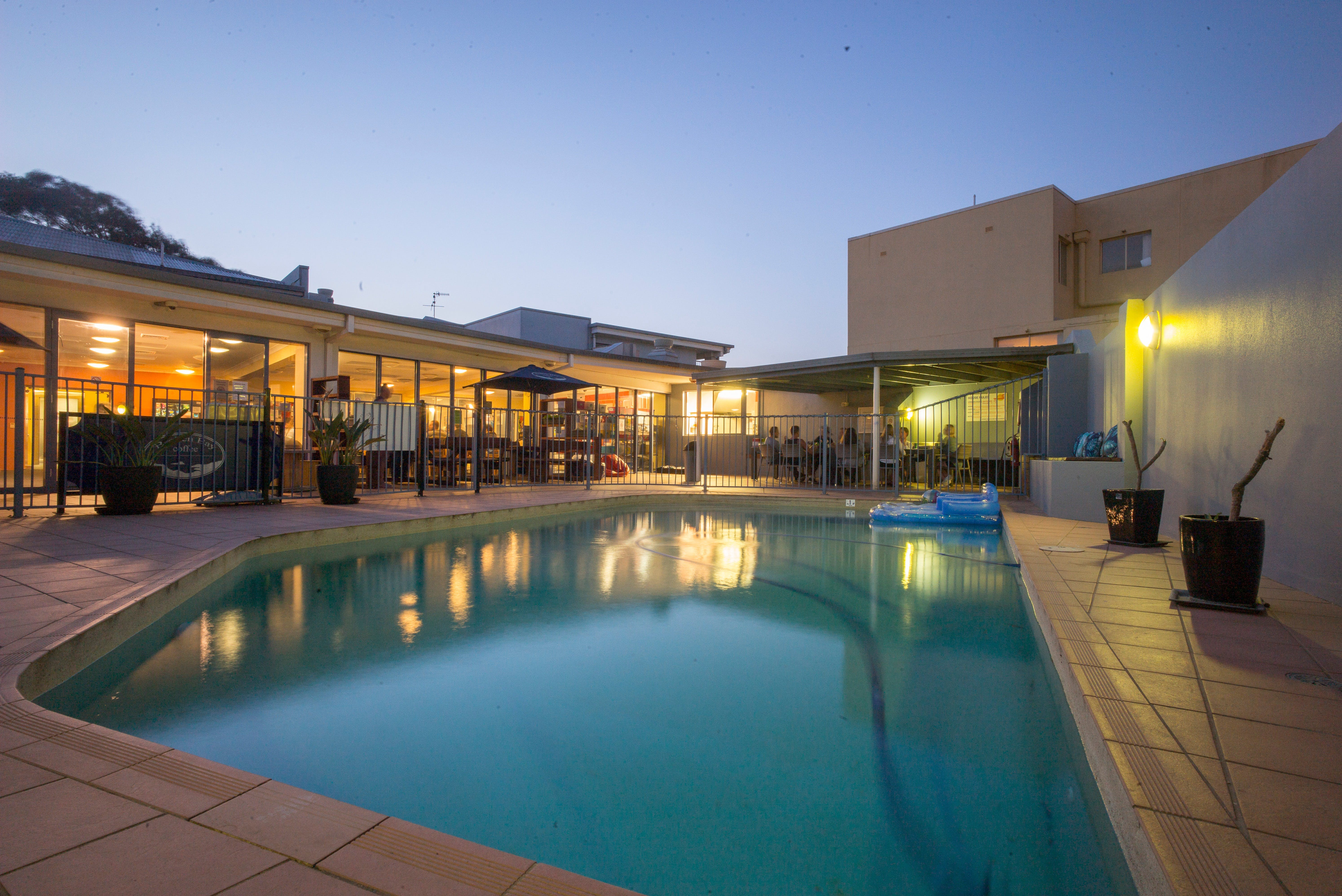 Sydney Beachouse YHA - Collaroy - Newcastle Accommodation