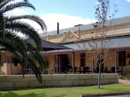 Dongara Hotel Motel - Newcastle Accommodation