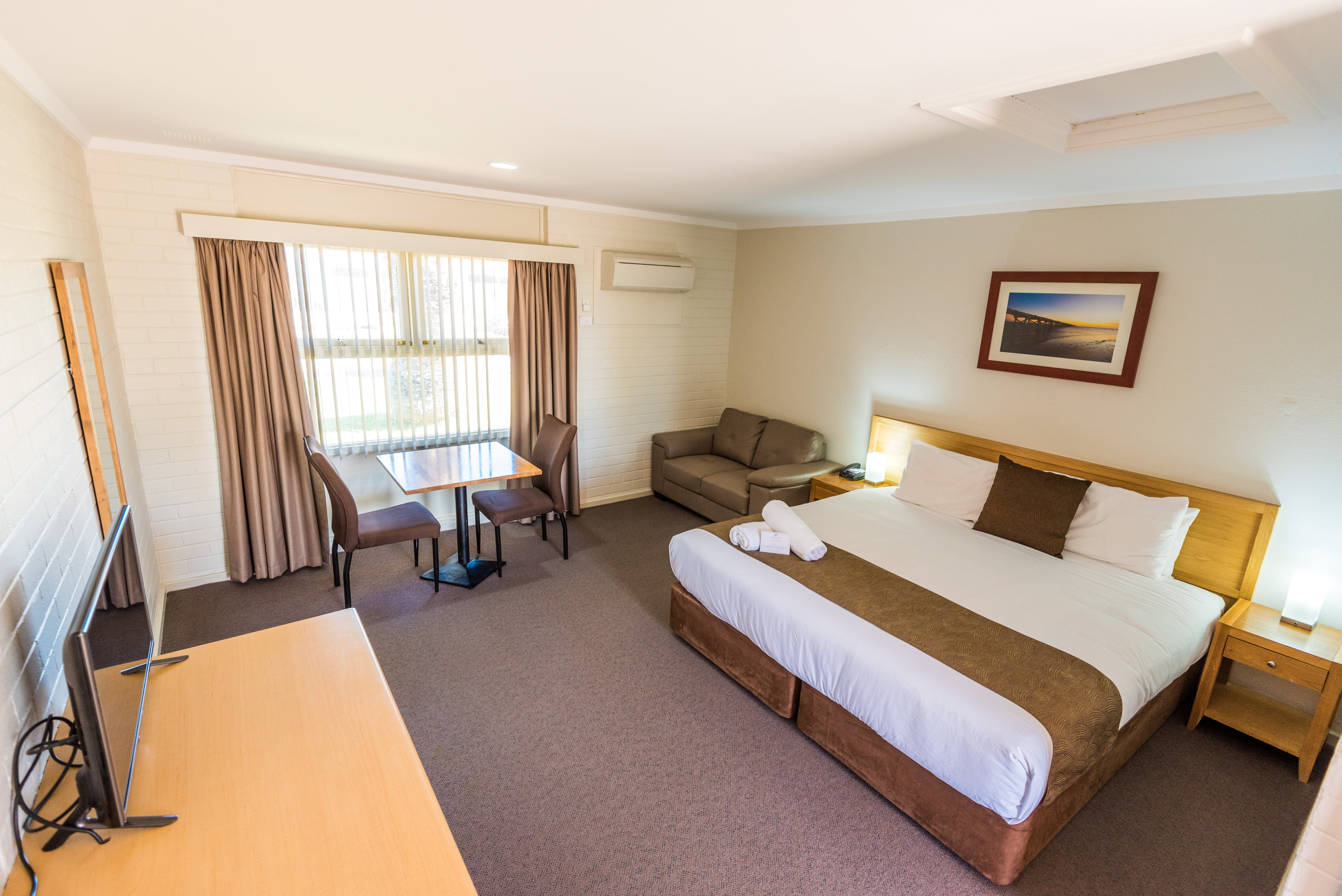 Hospitality Carnarvon SureStay Collection by Best Western - Newcastle Accommodation