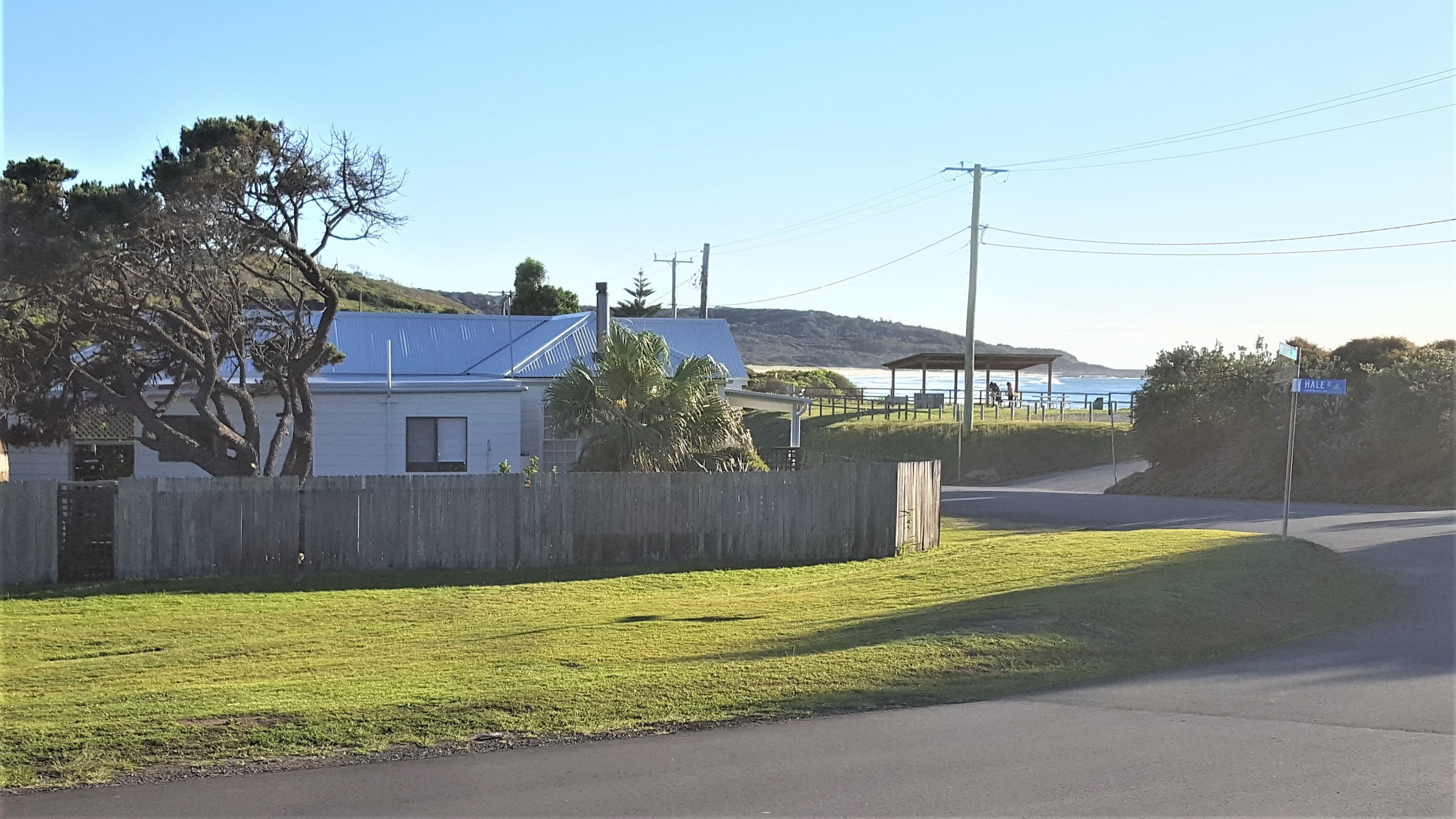 By The Beach at Catho - Newcastle Accommodation