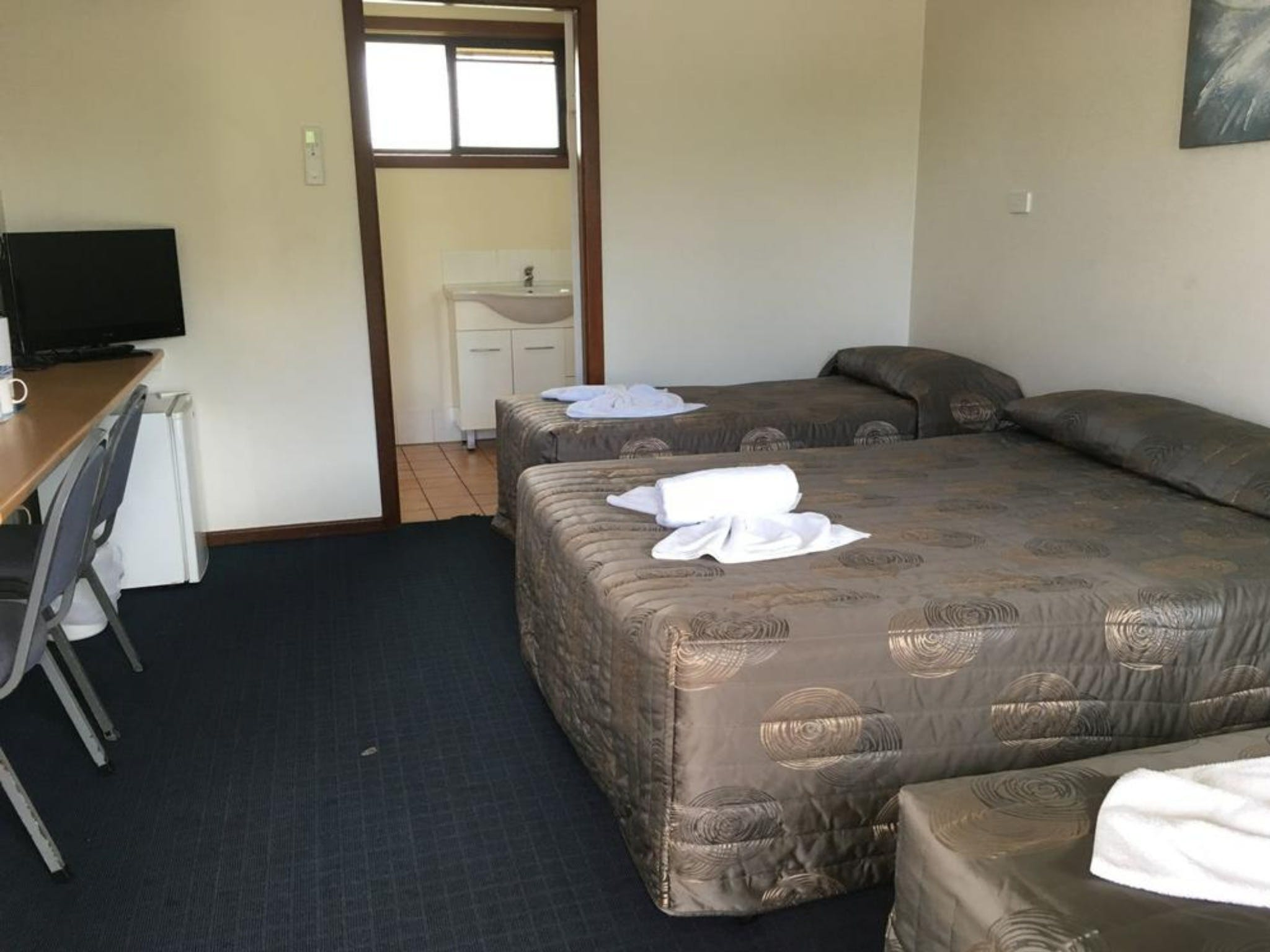 Palm Valley Motel and Home Village - Newcastle Accommodation