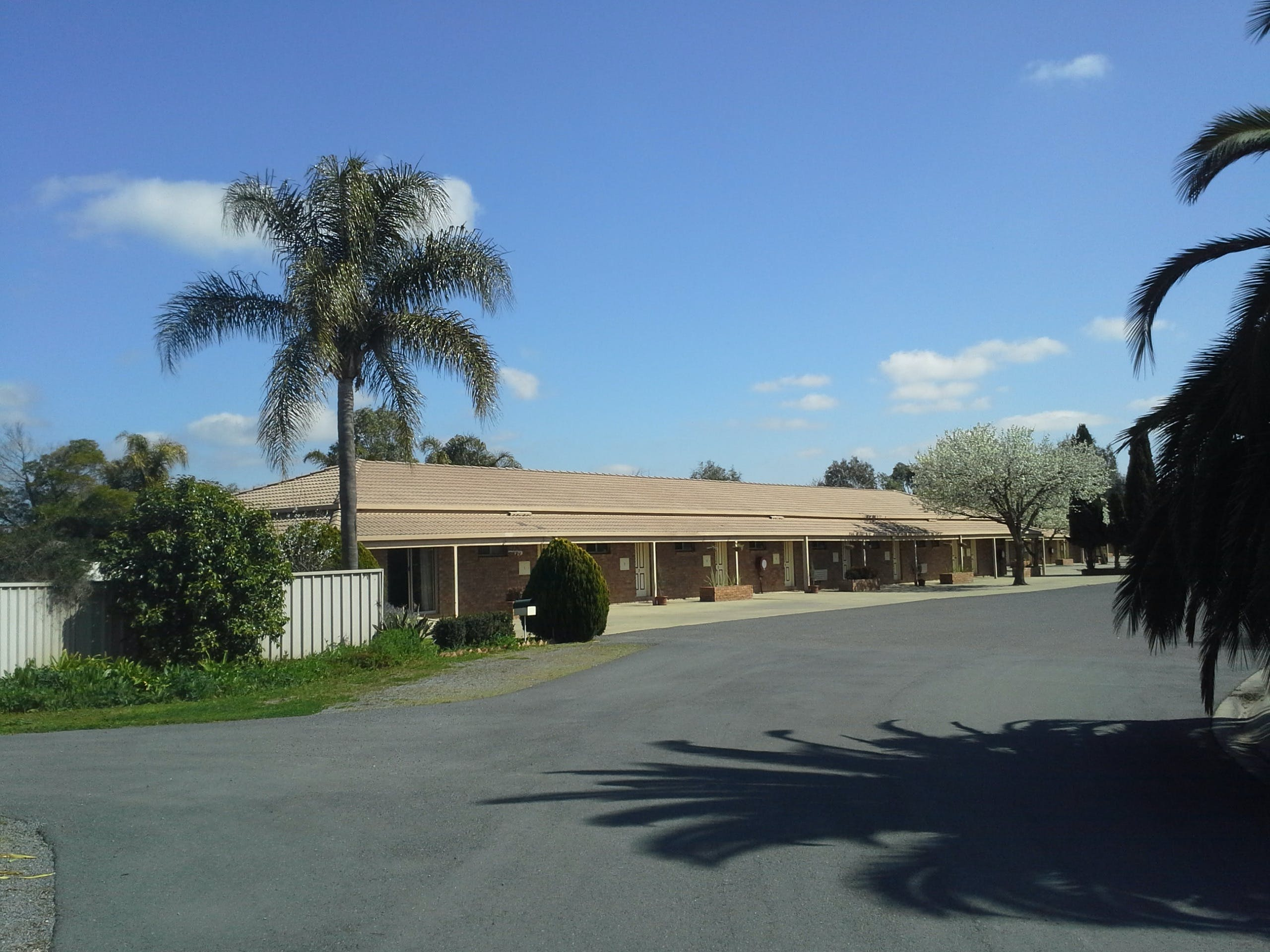 Paradise Lakes Motel - Newcastle Accommodation