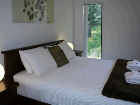 Mystwood Retreats - Newcastle Accommodation