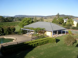 Tranquil Vale Vineyard - Newcastle Accommodation