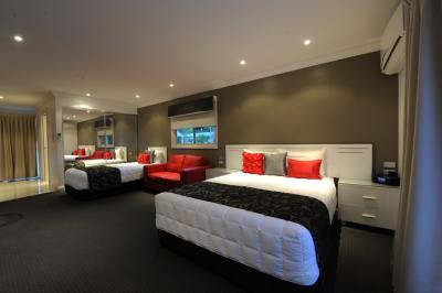 The Gateway Village Holiday Park - Newcastle Accommodation