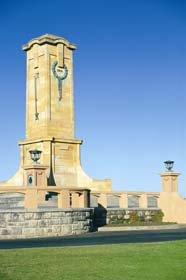 Fremantle War Memorial - Newcastle Accommodation