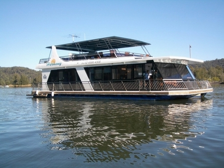 Able Hawkesbury River Houseboats - Newcastle Accommodation