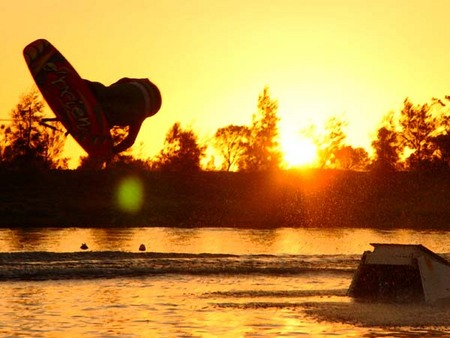 Bonney's WA Water Ski Park - Newcastle Accommodation