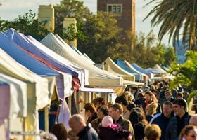 St Kilda Esplanade Market - Newcastle Accommodation